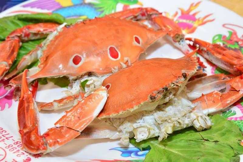 又到了吃螃蟹的季節了,這些漁港外國人也愛!(圖/新北漁樂快爆@facebook)