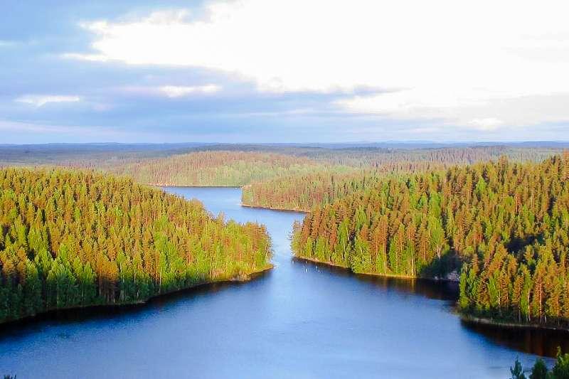 芬蘭壯麗的山河( M. Passinen@Wikipedia CC BY-SA 3.0)