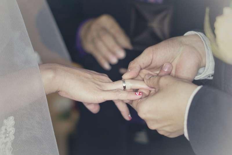 婚禮這種事情,到底是給別人看,還是給自己看?(圖/TastyCinnamonnBay@pixabay)