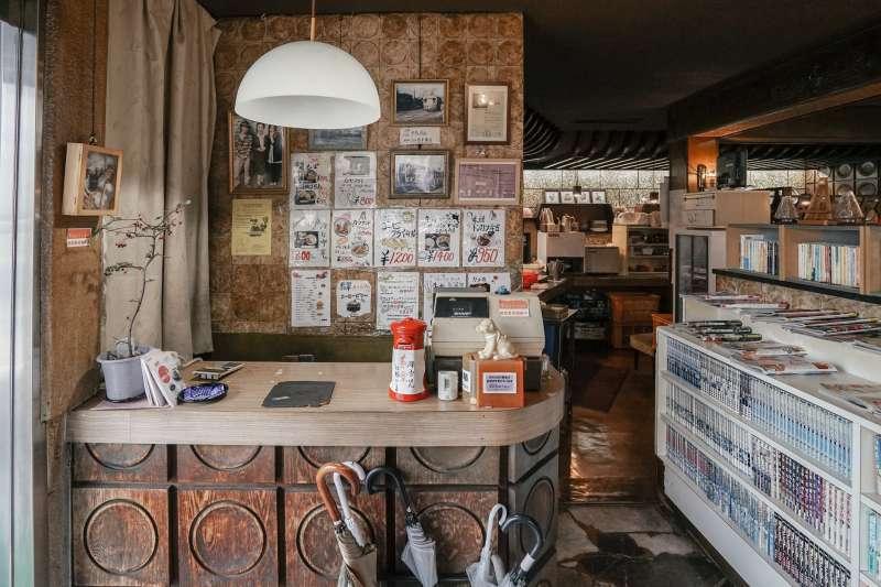 京都擁有許多家老字號的昭和風咖啡廳,非常有特色。(圖/東販出版提供)