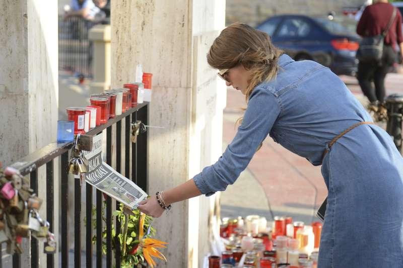 馬爾他獨立女記者嘉麗齊亞揭露貪腐,卻遭汽車炸彈攻擊身亡,引發國際關注。(美聯社)