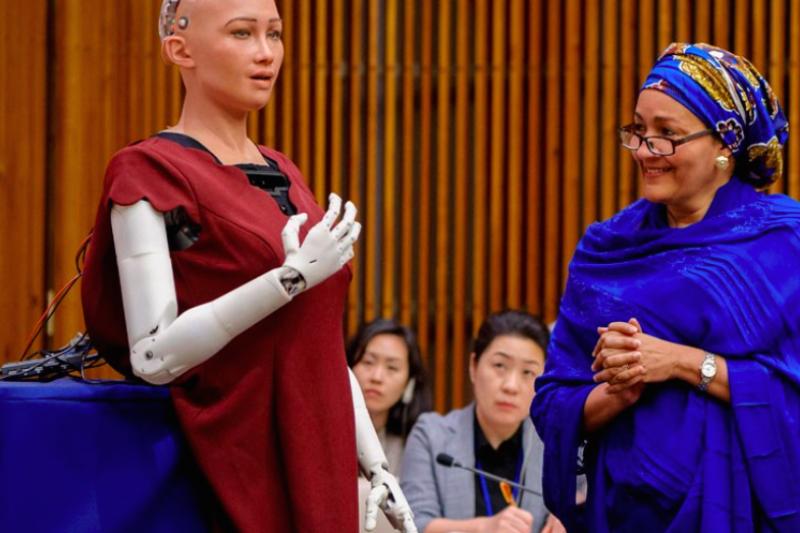 世界到底面臨何種危機,讓全球最美的AI機器人也趕赴聯合國提出建議呢?(圖/數位時代提供)