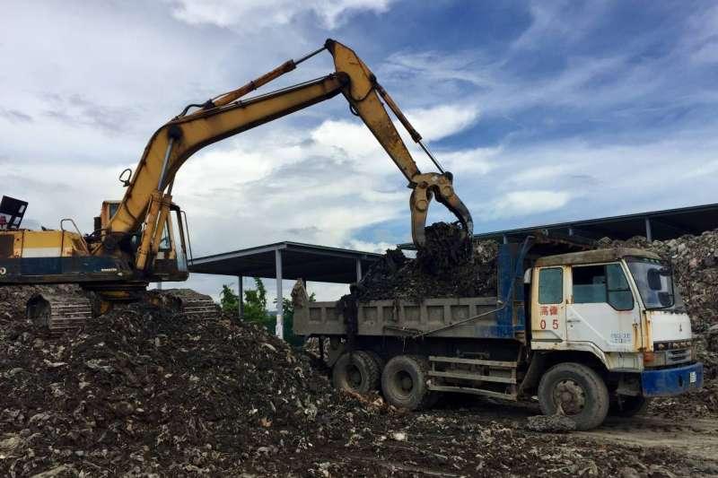掩埋場活化工程預計三年內活化42萬立方公尺的容積空間,可延長五年半的掩埋需求,解除掩埋場空間不足的迫切危機。(圖/高雄市環保局提供)