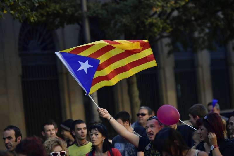 西班牙東北部加泰隆尼亞自治區追求獨立,引發數十年來最嚴重的政治風暴(AP)