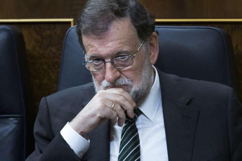 西班牙東北部加泰隆尼亞自治區追求獨立,總理拉霍伊面臨政治生涯(Mariano Rajoy)最嚴峻挑戰(AP)