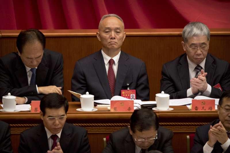 2017年10月18日,中共十九大在北京召開,蔡奇(中)(AP)