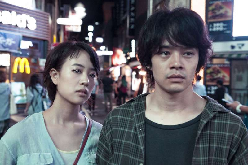 池松壯亮與石橋靜河合作演出《東京夜空最深藍》。(圖/高雄市電影館提供)