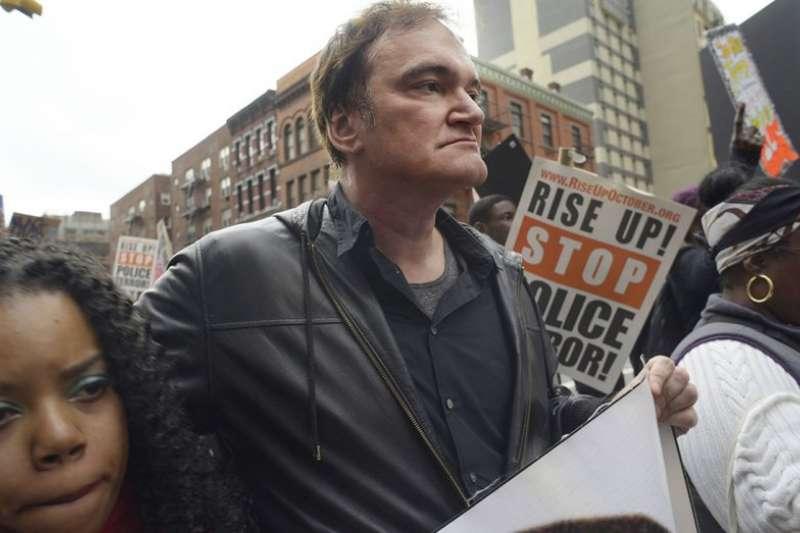 好萊塢大導昆丁塔倫提諾(Quentin Tarantino)曾上街參與抗議。(AP)