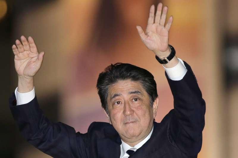 日本眾議院大選2017年10月22日登場,首相兼自民黨領導人安倍晉三在投票前夕全力為黨籍候選人助選(AP)
