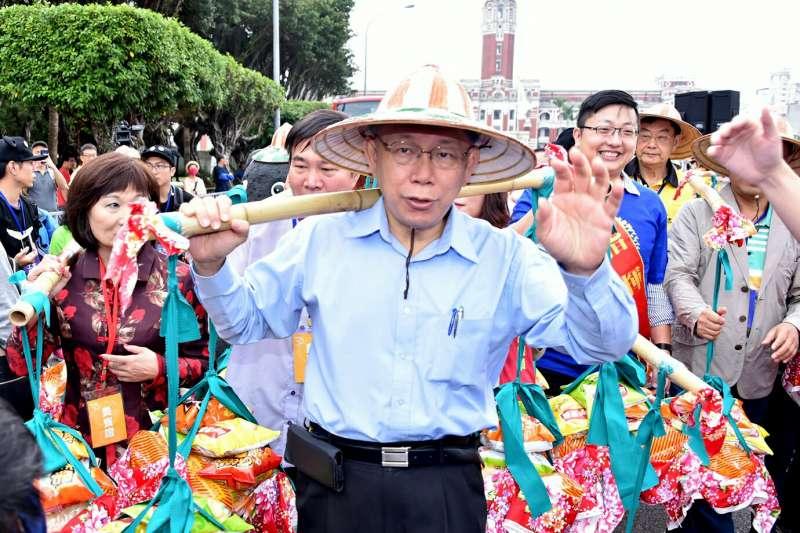 台灣民意基金會發現,過去一個月來柯文哲雖遭綠營全力圍剿,但柯文哲人氣熱度仍有 62.64 度,圖為柯文哲出席客家義民活動。(台北市政府提供)