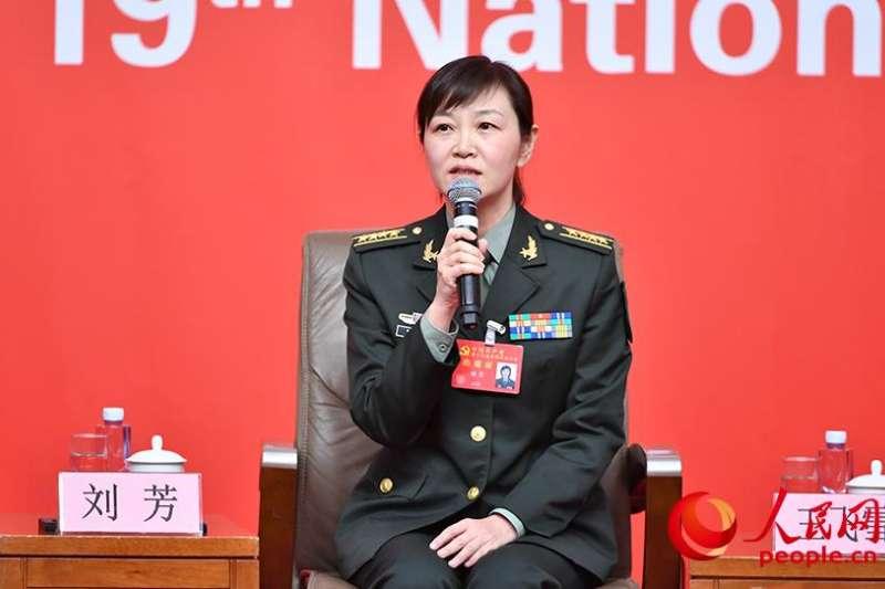 軍委國際軍事合作辦公室參謀劉芳表示,過去5年,中國軍隊的朋友圈越來越大,穩固推進與大國的軍事多層次及領域合作,加強戰略互信與溝通,強化風險危機管控。(取自中共十九大新聞中心)