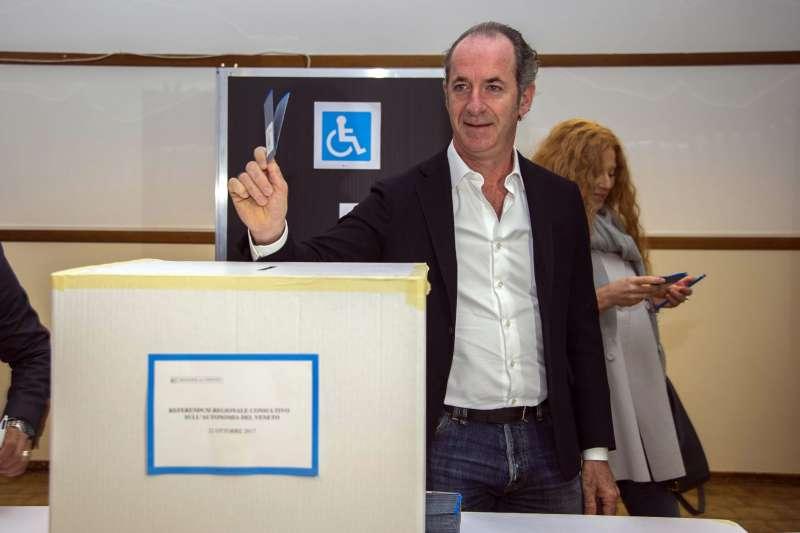 義大利地方公投:威尼托大區政府主席柴亞投票(AP)