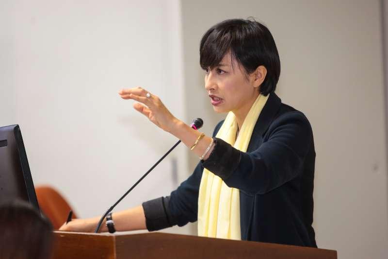 20171023-民進黨立委邱議瑩23日於立院委員會質詢。(顏麟宇攝)