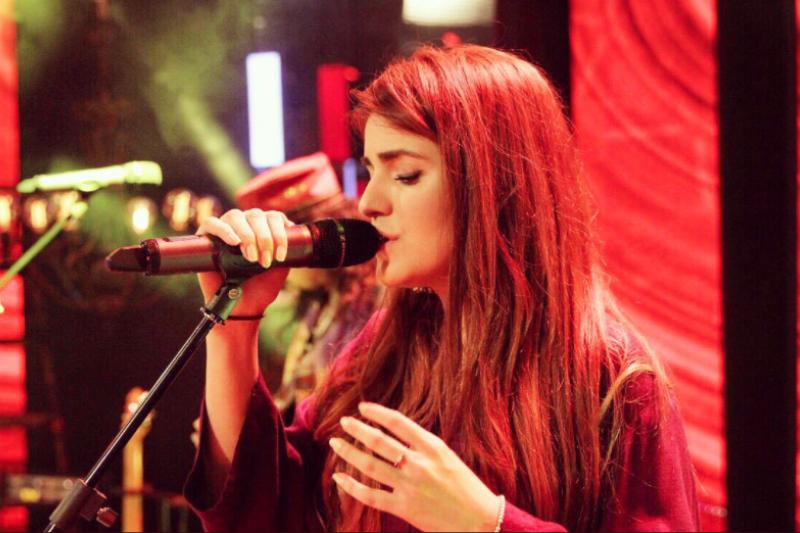 慕斯特珊(Momina Mustehsan)是巴基斯坦最著名的女明星之一。(網路截圖)