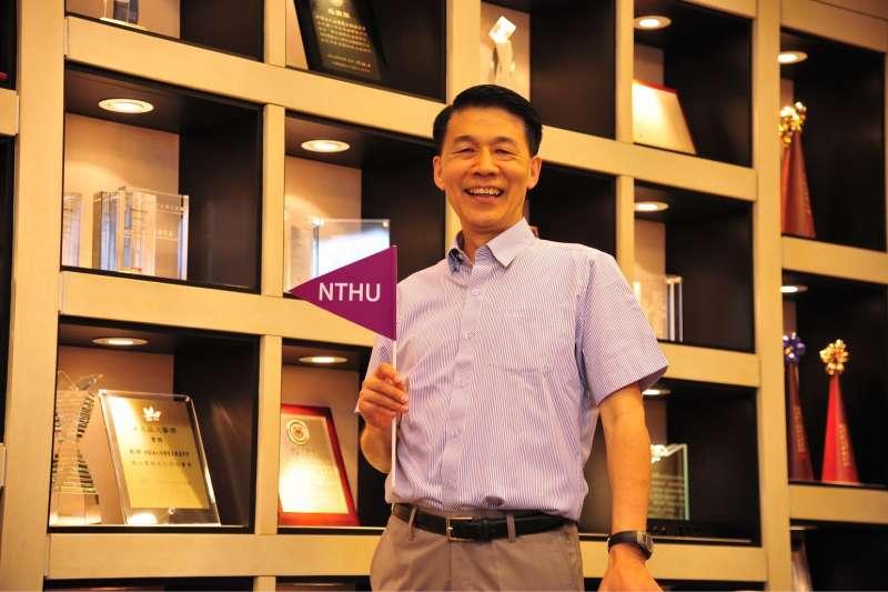 畢業於清大材料所的台積電副總經理余振華,榮獲2017「總統科學獎」。(圖/國立清華大學提供)