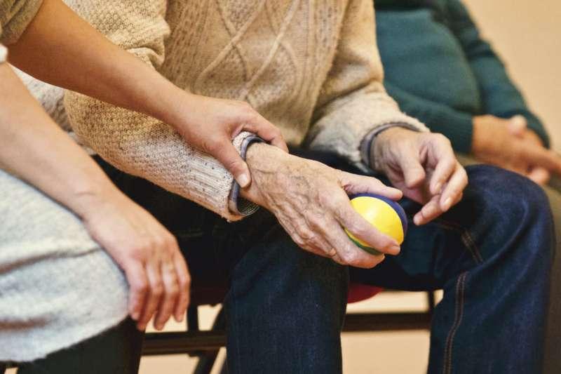 老化的過程完全視我們對於「失去」( Losses )的認知。(取Pixabay)