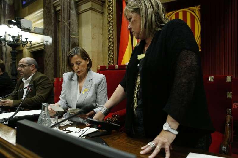 加泰隆尼亞自治政府議會27日宣佈獨立,將成立加泰隆尼亞共和國。(AP)