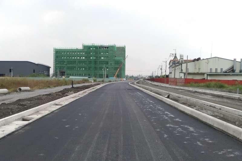 和發園區30米道路階段完工,可連通大發、和春兩基地。(圖/合發土地開發公司提供)