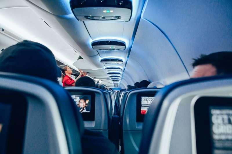印度捷特航空今天在一架班機的廁所內發現恐嚇紙條,結果班機因此迫降。(圖/StockSnap@pixabay)