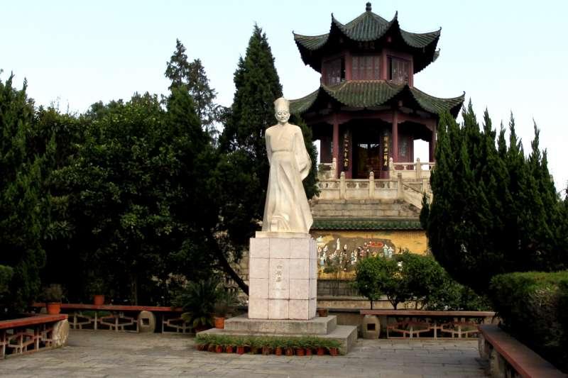 九江琵琶亭白居易石像(圖/wikipedia)