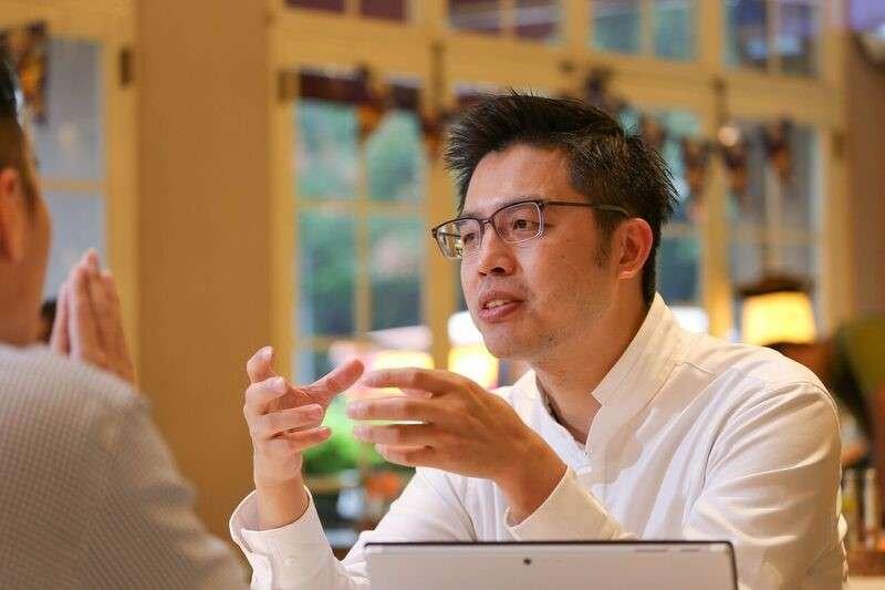 「不探索看看,怎麼知道可以為這世界做什麼?」VMFive執行長丁俊宏放下250萬高薪,走上創業之路(圖 / 風傳媒)