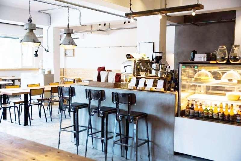 不限時又有wifi的咖啡店,最適合假日悠閒待上一整天。(圖/Imperfect coffee & matcha@Facebook)