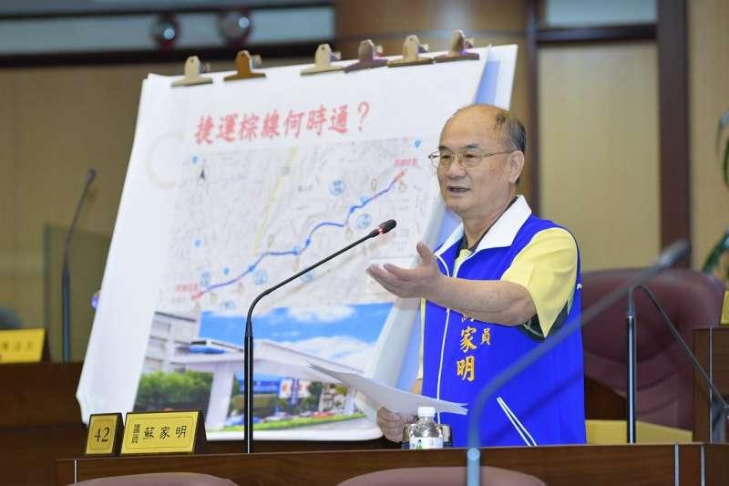 桃園市議員蘇家明要求「國際福德傳統藝術文化節」正名。(圖/桃園市議會提供)