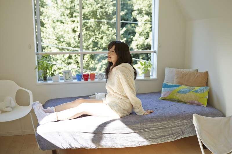 在外租屋不想踩雷就該知道的十件事!(示意圖非本人/【私たち、無料です。】フリー素材アイドル MIKA RIKA)