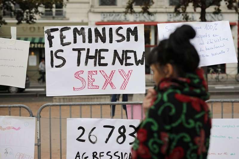 法國女性在11個城市上街遊行,抗議猖獗的性暴力問題。(美聯社)