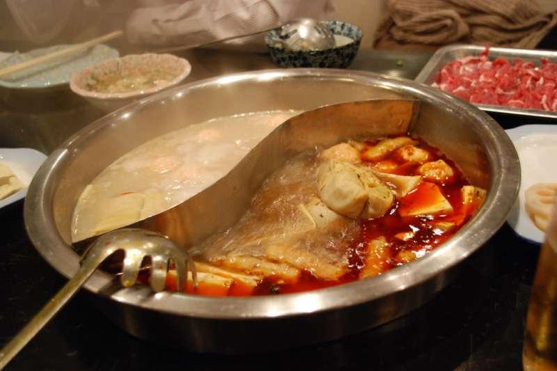 原來這項火鍋料,比油條還油!(圖/ta@keshi kimi@flickr)