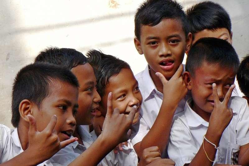 印尼學童竟因宗教因素,被同學霸凌…(圖/DEZALB@pixabay)