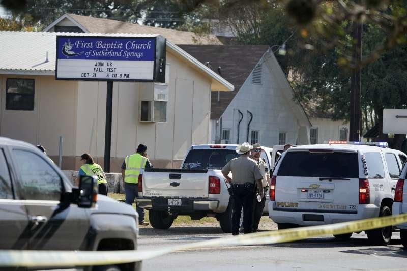 德州一間浸信會教堂5日中午發生死傷慘重的槍擊案。(美聯社)
