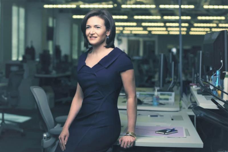 Sheryl Sandberg是臉書的營運長、全球知名的女性商場領導人,在2015年卻不幸面臨喪夫之痛,而她從絕望到堅強、讓眾人十分心疼。(圖/fortune官網)