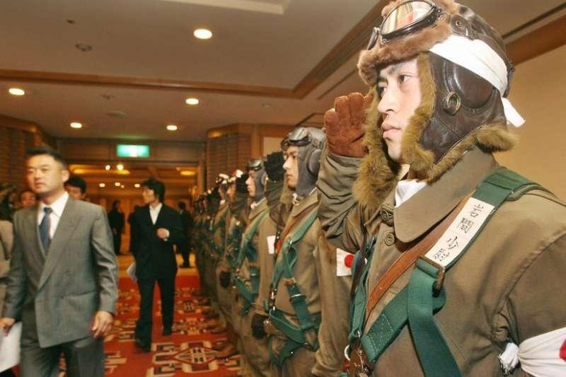 近年,一些電影開始頌揚「神風」飛行員的「英勇」精神。(BBC中文網)