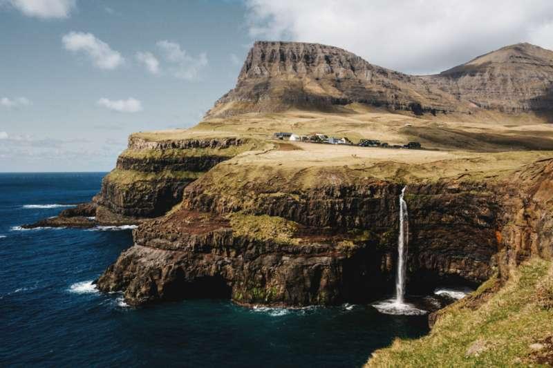 丹麥法羅群島的絕美風光。(取自www.visitfaroeislands.com)