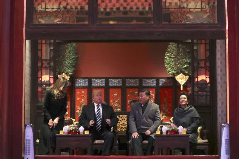 川普亞洲行第三站來到中國,習近平在紫禁城內設宴款待。(美聯社)