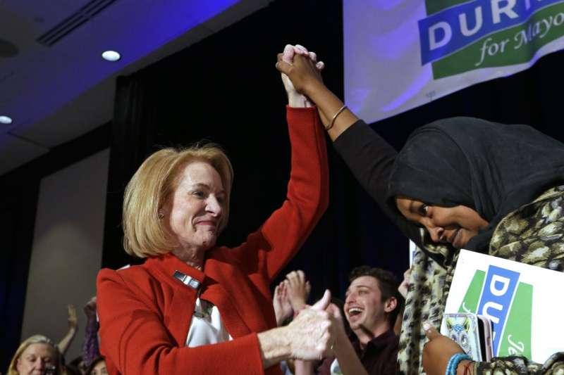 2017美國地方選舉:杜爾坎是西雅圖第1位女同性戀市長(AP)