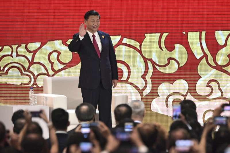 中國國家主席習近平在APEC工商領導人峰會發表演說。(美聯社)