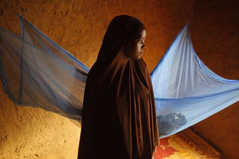非洲的童婚問題十分嚴重,19歲的少女諾拉殺死了企圖性侵自己的丈夫,卻也因而面臨死刑的審判。(示意圖,非本文當事人)(AP)