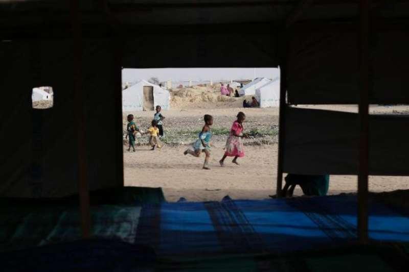 查德難民營裡的孩子。(美聯社)