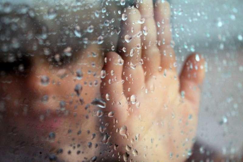 雨量充沛的台灣總是濕氣重,家裡的東西非常難保存,以下的小秘訣或能解決部分困擾!(圖/pxhere)