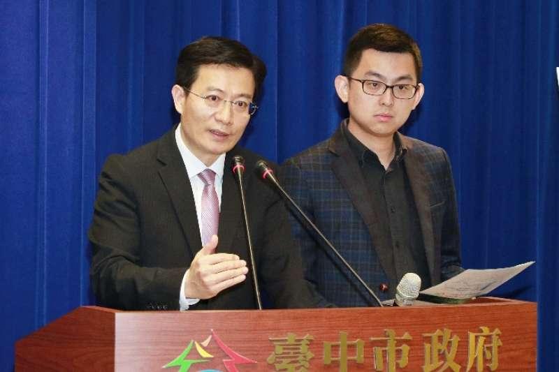 台中市環保局長白智榮表示,由於中火未提減煤、減排、改善期程,因此退件,要求30日內再提。(圖/台中市政府環境保護局提供)
