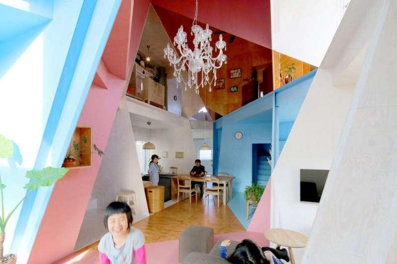 誰說房間一定要是正方形?這東京幾何公寓讓人大嘆原來空間也能這樣玩!(圖/KOCHI ARCHITECT'S STUDIO提供)