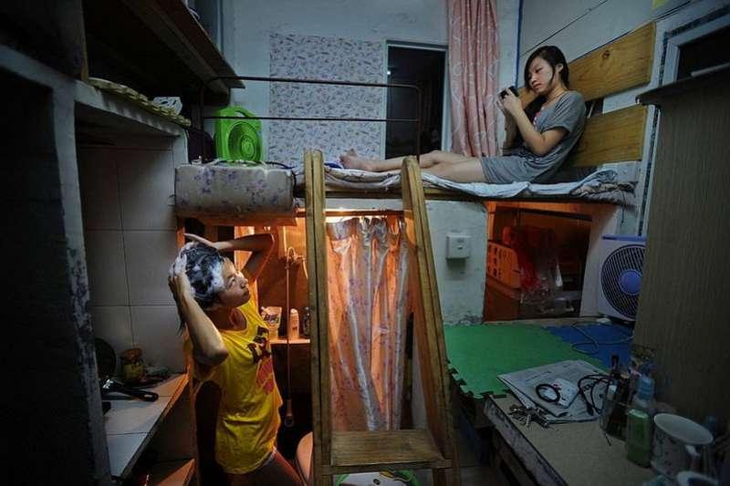為了尋求更好的發展機會,人人湧向大城市追夢,但是高漲的房價,往往逼人屈就於極不舒適的狹小空間居住。(圖/言人文化提供)