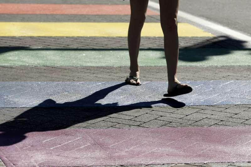 美國紐澤西州跟上加州腳步,規定公立學校教材必須提及LGBT族群(AP)