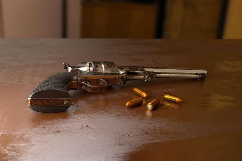 美國威斯康辛州近日實施新法,容許不到10歲的孩童拿槍打獵。(圖/Monoar@pixabay)