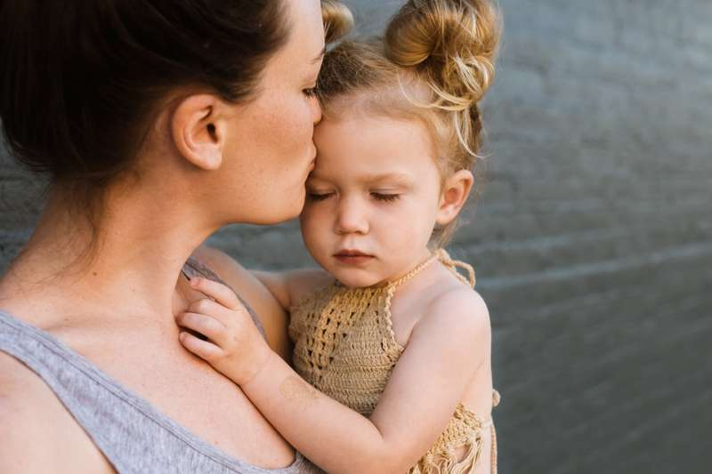 在育兒關卡中,不斷進化的勇敢女性,稱為帶子女。(圖/StockSnap@pixabay)