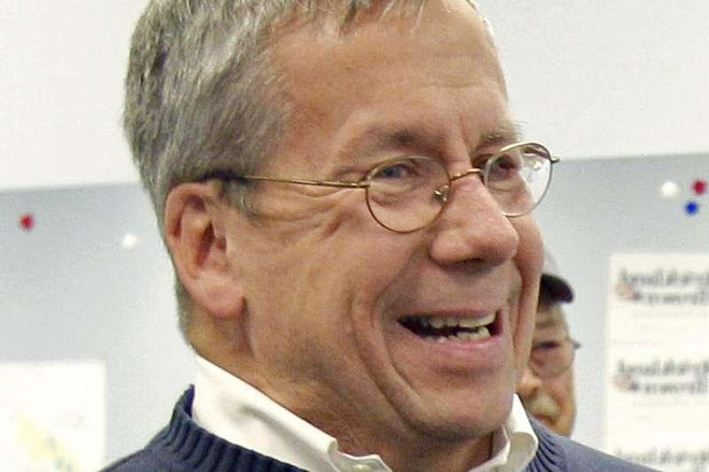 民主黨籍的俄亥俄州最高法院大法官奧尼爾,出面為同黨參議員法蘭肯的性騷擾爭議說話(AP)