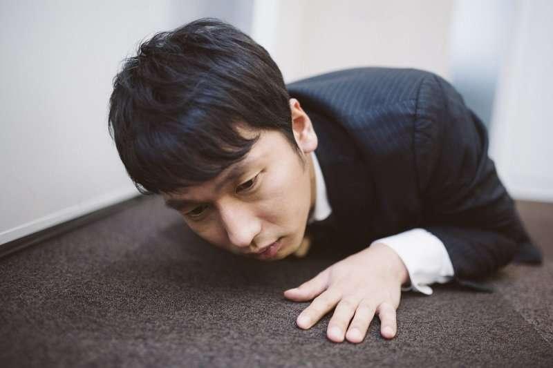 常有脹氣、灼熱感、溢食物、溢酸的情形,若太大意小心變食道癌。(圖/pakutaso)