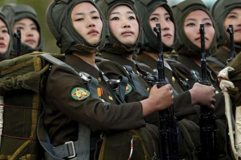 北韓女兵。(BBC中文網)